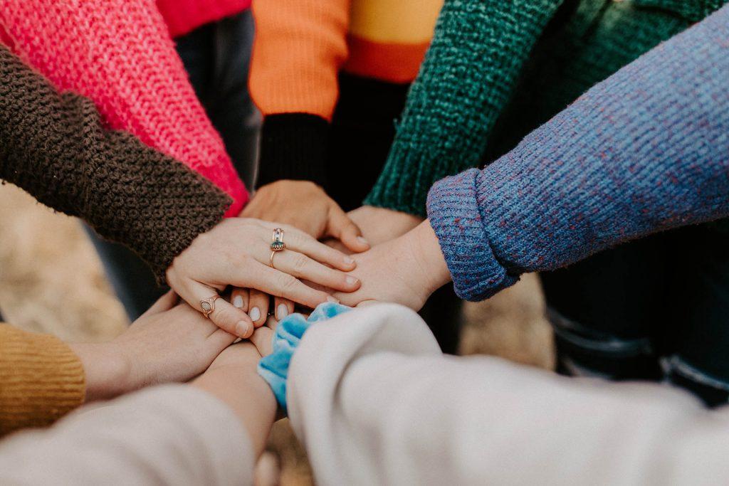 Unione mani dei partner WelFare Insieme